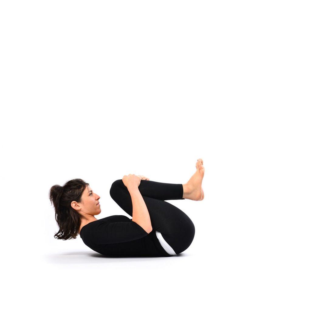 Leg-lock-pose-Supta-Pawanmuktasana-2